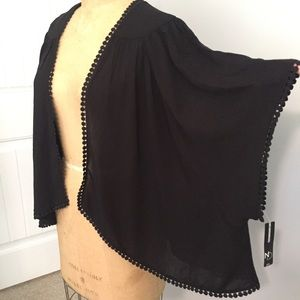 Short Sleeve Kimono. NWT. Size PXL
